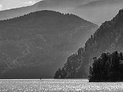Мыс Куван, Телецкое озеро, Республика Алтай.jpg