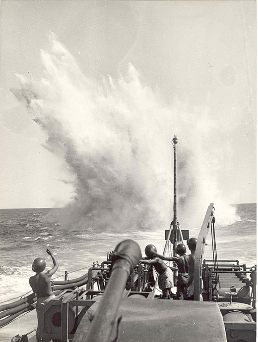 Brazilian Navy on anti-submarine warfare in the South Atlantic, 1944. 036562036562 - Exercicio de lancamento de bombas de profundidade a bordo do Caca submarinos Guajara, 1944 (26171331354).jpg