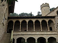 046 Castell de Santa Florentina (Canet de Mar), pati, galeria del Tallat i torre sud-oest.JPG