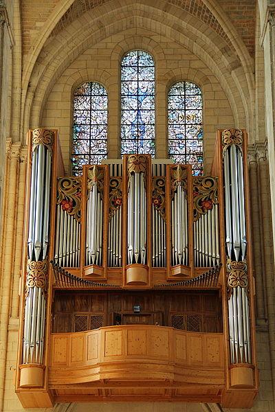 Great organ of Notre-Dame de Noyon (Oise, France).