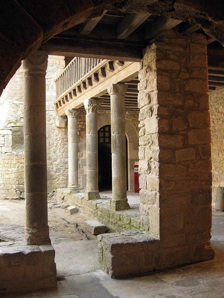 File 157 abadia de santa maria pati de la casa abacial - La casa de maria ...
