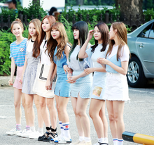 160708 CLC on the way to Music Bank.png