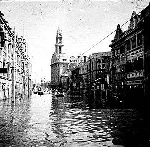 1939年天津水灾时的旭街