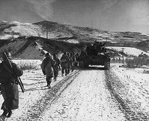 1st Marines advance during the Korean War