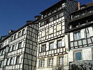 Casa Di Campagna Traduzione Francese : Casa a graticcio wikipedia