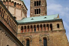 2010.08.14.164600 Dom Speyer lighter