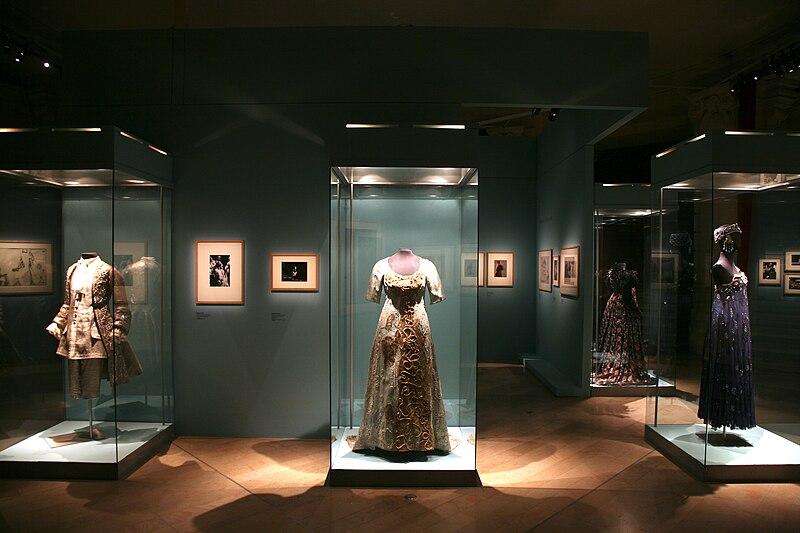 File:2011 Bibliothèque-Musée de l'Opéra Paris 5336594777.jpg