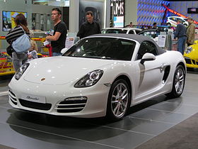 Photo du Boxster (Type 981) dans un salon automobile.