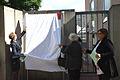 2013-09-15 Gedenktafel Neue Synagoge Hannover (09) Präsidentin des Landeskirchenamtes Dr. Stephanie Springer, Holocaust-Überlebende Henry Kormann und Ruth Gröne, Kulturdezernentin Marlis Drevermann.JPG