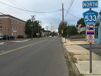 County Route 533 (New Jersey) - View north at the south end of CR 533 at US 206 and CR 524 in Hamilton Township