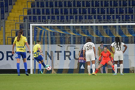 20180912 UEFA Women's Champions League 2019 SKN - PSG Vágó Endler 850 5124.jpg