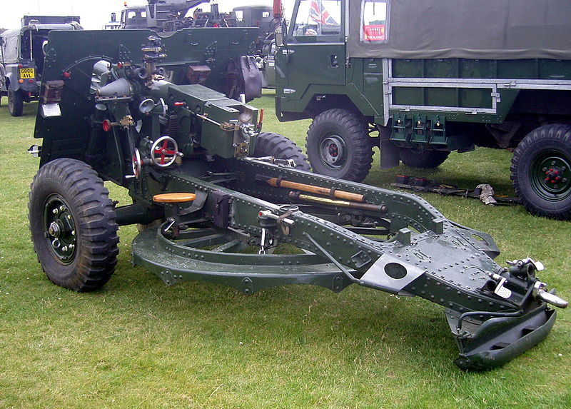 File:25 Pounder field gun. (5857541508).jpg