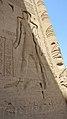 2 رسومات بالجدار الخارجي للمعبد.jpg