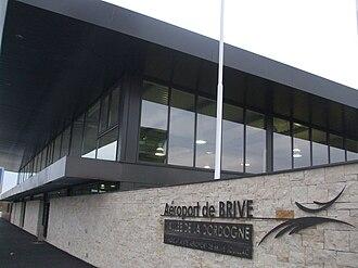 Brive–Souillac Airport - Image: Aérogare de l'aéroport de Brive Vallée de la Dordogne