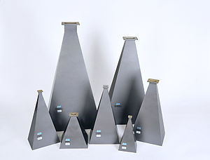 Horn antenna - Pyramidal horn antennas for a variety of frequencies. They have flanges at the top to attach to standard waveguides.