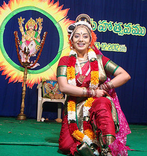 Andhra Natyam - Sahiti Ravali, a female Kuchipudi dancer