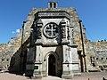 A Rosslyn-kápolna, a templomos lovagok, szabadkőművesek, és összeesküvésgyártók Mekkája (The Rosslyn Chapel, Mekka of the Knight Templars, Freemasons and Conspiracy Theorists) - panoramio.jpg