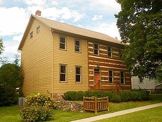 Aaronsburg Historic District - Image: Aaronsburg PA Plank house