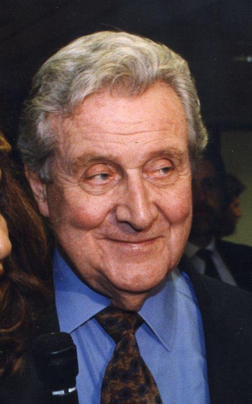 Actor Patrick MacNee in 1998
