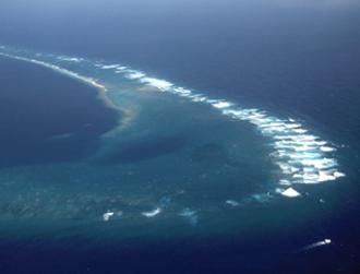 Kingman Reef - Southeast part of Kingman Reef, looking north