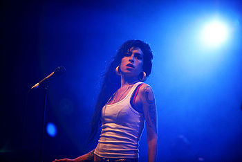 English: Amy Winehouse at the Eurockéennes of 2007
