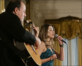 Ana Cristina sings at the White House2.jpg
