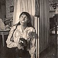 Anastasia Nikolaevna of Russia fooling around (original).jpg