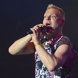 Andy Bell, Erasure 2.jpg