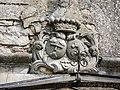 Armoiries au-dessus de la porte de l'ancien château d'Ougney-les-Champs.jpg