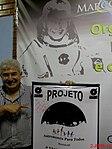 Astronauta Marcos Pontes com o banner do Projeto Astronomia Para Todos - Batatais na véspera do evento Domingo Com o Astronauta, realizado em Bauru no dia 3 de abril de 2016, em comemoração dos 10 - panoramio.jpg