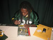 Description de l'image  Atari Bigby Signing Autographs.jpg.