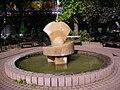 Az Örök szerelem kútja (Beregszászi-Hegyi László, 1994), Fő tér, Tatabánya21.jpg
