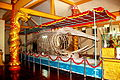 Bộ xương cá voi.jpg
