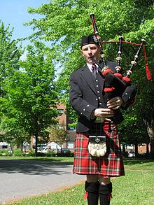 06a90bdb5b Great highland bagpipe - Simple English Wikipedia