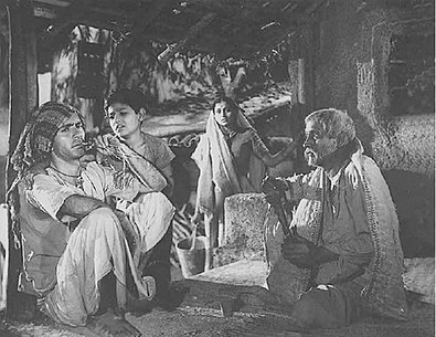 Balraj Sahni, Rattan Kumar and Nana Palsikar in Do Bigha Zamin (1953).jpg