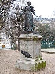 Monument to Maria Deraismes