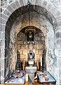 Basilique Notre-Dame d'Orcival, Puy-de-Dôme, France-2841.jpg
