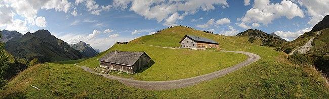 7: The old Sennalpe Batzen (lower building) and the new Alpe Batzen (upper building), two chalets surrounded by mountain pastures in Schröcken, Bregenzerwald, Vorarlberg. User:Böhringer