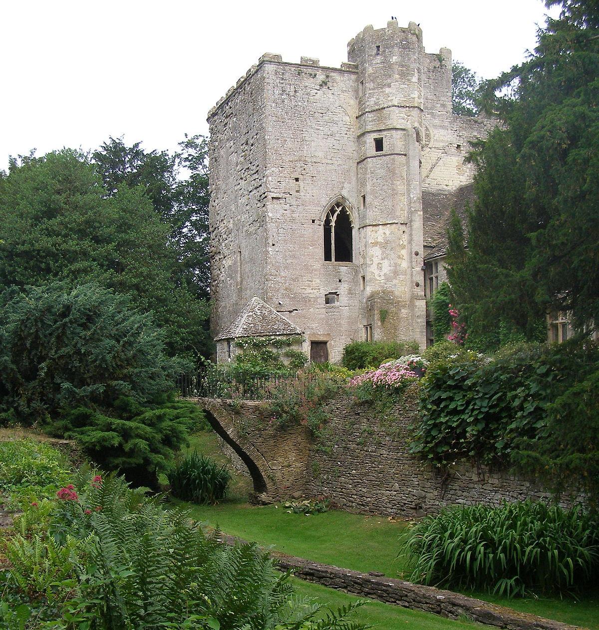 Beverston Castle - Wikipedia