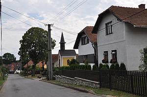 Blažkov (Žďár nad Sázavou District) - Image: Blažkov(ZR) ulička u kapličky 2013