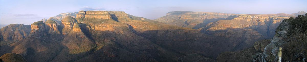 Die Drei Rondavels am Blyde River Canyon in der Abendsonne.
