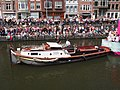 Boat 32 NPO FunX, Canal Parade Amsterdam 2017 foto 6, sleepboot Jacobus ENI 02323035.JPG