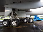 Boeing 747 Main landing gear pic5.JPG