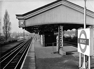 Brent Cross tube station - Image: Brent 1 LPTB Station 1894835 fb 6994a 7