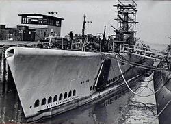 Brill (SS-330) during her refit