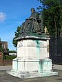 Bronze statue of 3rd Marquess of Salisbury, Old Hatfield.jpg