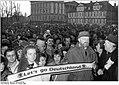 Bundesarchiv Bild 183-1990-0209-030, Schwerin, Volkskammerwahl, Kundgebung Allianz für Deutschland.jpg