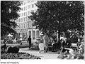 Bundesarchiv Bild 183-A0918-0001-002, Magdeburg, Grünanlage, Park.jpg