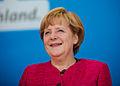Bundeskanzlerin Angela Merkel bei einer Wahlkampfveranstaltung 2013.jpg