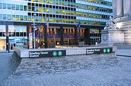 BwyWalk0505 StationBowlingGreen2.jpg